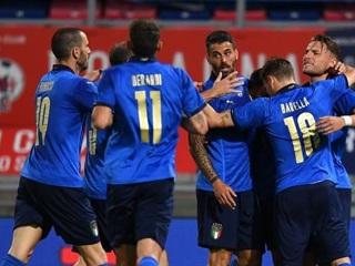 Футболисты сборной Италии разгромили Чехию