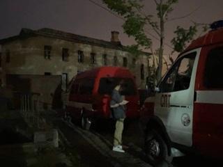 Подросток погиб из-за обрушения перекрытия в заброшенном здании Владивостока