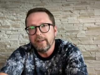 5-я студия. Листовки о полукровках с Западной Украины: Шарий ответил на обвинения Киева