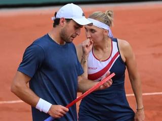 Веснина и Карацев проиграли в финале Roland Garros
