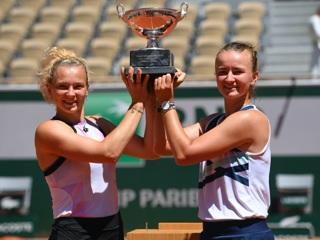 Крейчикова и Синякова выиграли Roland Garros в парном разряде