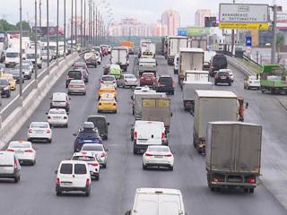На МКАД ограничили движение грузовиков свыше 3,5 т