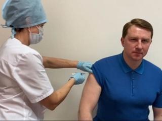 В борьбе с COVID-19: мэр Сочи сделал прививку от коронавируса