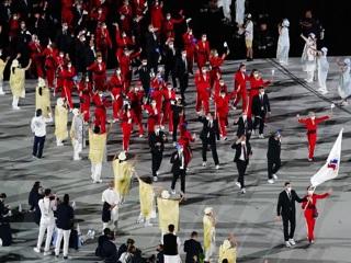 Россияне приняли участие в параде спортсменов на открытии Олимпиады