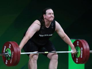 Трансгендер на Олимпиаде: сегодня Хаббард может выиграть медаль в штанге