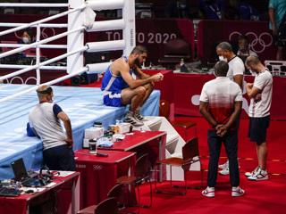 Боксер Алиев устроил забастовку на Олимпиаде из-за дисквалификации