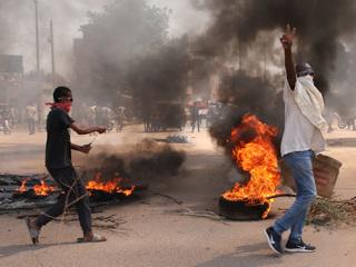 В Судане объявлено чрезвычайное положение, распущен кабмин