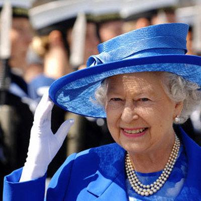 Королева Великобритании Елизавета II хочет уйти на пенсию в 95 лет