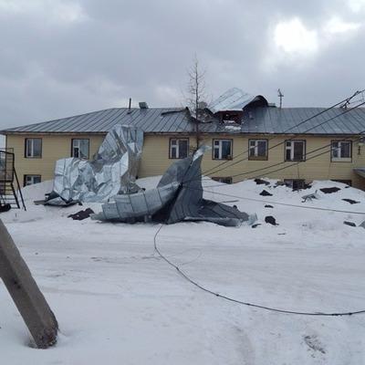 Последствия ураганного ветра устраняют в Ставрополе