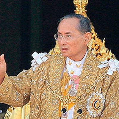 В Таиланде скорбят и чтут память покойного короля Пумипона Адульядета