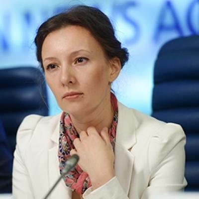 Омбудсмен проверит изъятие дочери у россиян в Эстонии из-за отсутствия ремонта