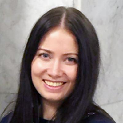Юлия Актаа