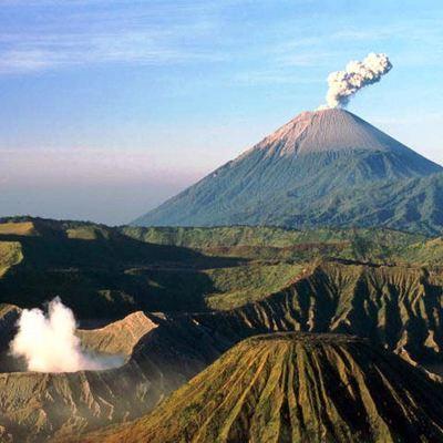 Почти 50 тысяч человек эвакуированы на Бали из-за возможного извержения Агуг