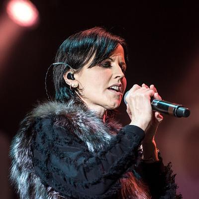 Продажи альбомов рок-группы Cranberries взлетели после смерти вокалистки Долорес О'РИорда