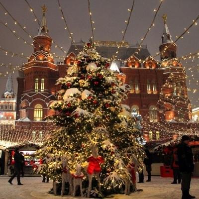 Световые шоу покажут на Манежной площади с 14 по 20 декабря