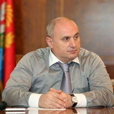 Мэр Махачкалы Муса Мусаев заключен под стражу на 10 суток.