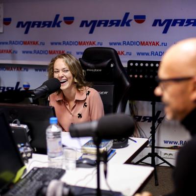 Федор Бондарчук и Аглая Тарасова в студии
