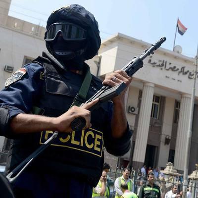 Полицейский из египетского города Асьют спас упавшего с балкона пятилетнего ребёнка