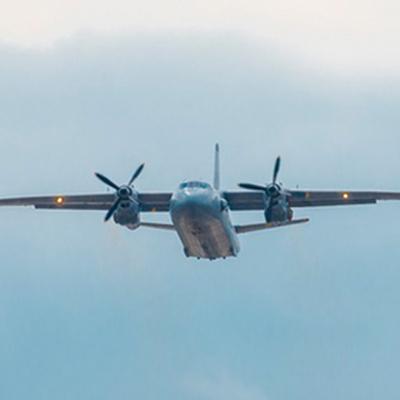 На месте падения самолета Ан-26 в Харьковской области найдено тело погибшего