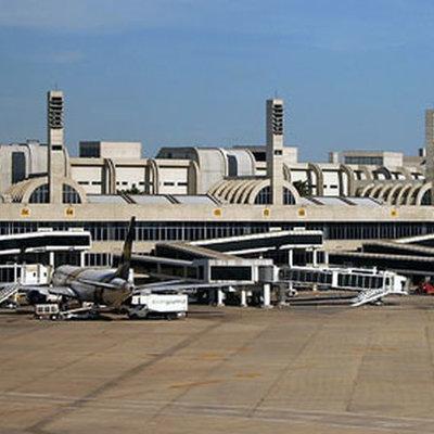Находка в аэропорту Рио-де-Жанейро: 50 кг взрывчатки и 100 кг героина