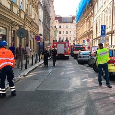 Часть дома, который проходит реконструкцию, обвалилась в центре Праги