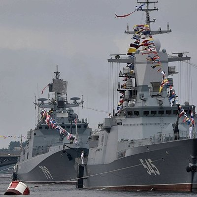 В параде в День ВМФ в Петербурге примут участие более 40 кораблей