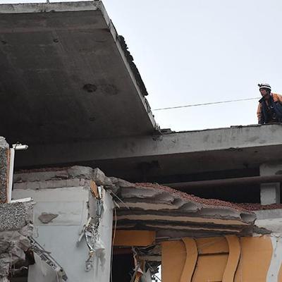 В Поронайске на Сахалине ввели режим ЧС в связи с обвалом крыши здания бывшего целлюлозно-бумажного завода