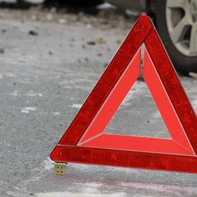 Выезд на встречную полосу стал причиной крупной автоаварии в Ленобласти
