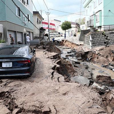До 26 увеличилось число пострадавших от землетрясения в Японии
