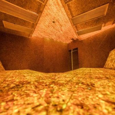 Первую в мире янтарную баню открыли в Литве
