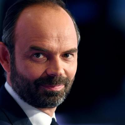 Премьер-министр Франции подал прошение об отставке
