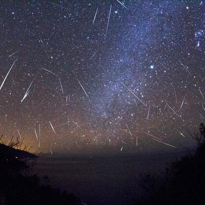В ночь на пятницу можно увидеть пик ежегодного метеорного потока Геминиды