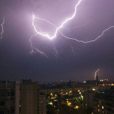 Московские синоптики зафиксировали минувшей ночью зимнюю грозу