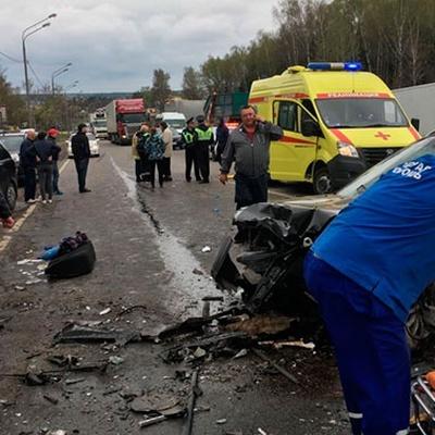 В Челябинской области столкнулись битумовоз и грузовик
