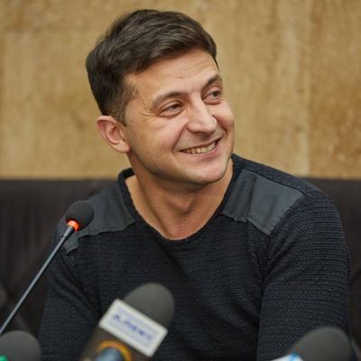 Владимир Зеленский оттолкнул министра обороны Украины Степана Полторака