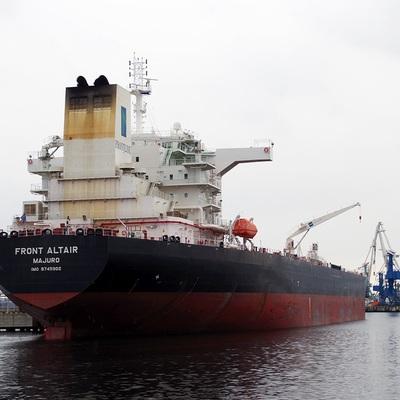 Москва не торопится возложить вину на Иран за события в Оманском заливе