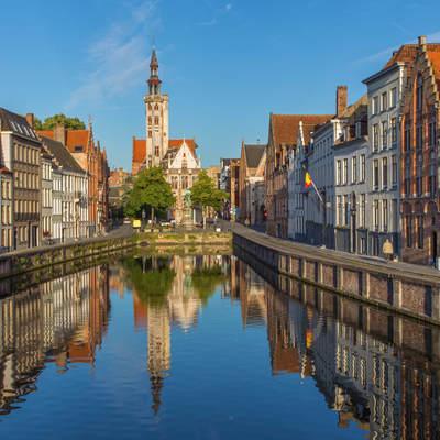 Власти Брюгге решили ограничить число туристов