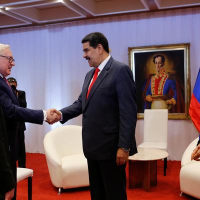 Мадуро назвал позитивной встречу с Сергеем Рябковым