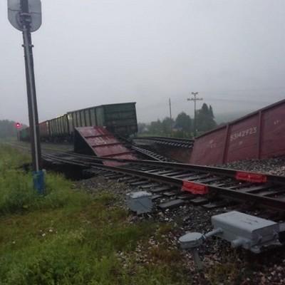 Уголовное дело возбуждено по факту схода с рельсов 23 грузовых вагонов на станции Керки