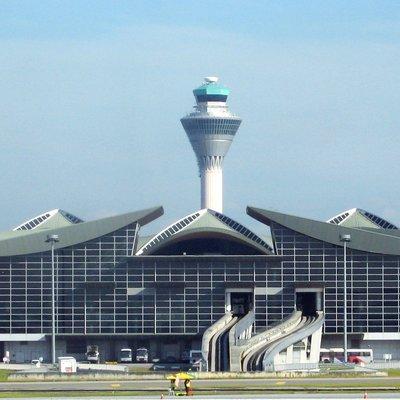 Крупнейший малайзийский аэропорт восстановил работу