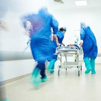Число госпитализированных при прорыве дамб выросло до 18 человек