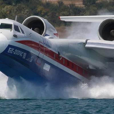 Самолет-амфибия Бе-200 МЧС России будет задействован в Абхазии для тушения пожара