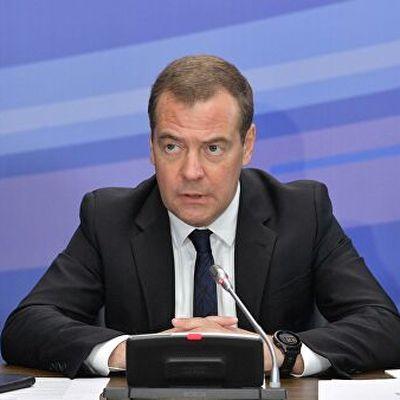 Медведев отправляется с двухдневной поездкой в Сибирь