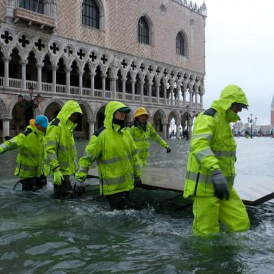 Ситуация в Венеции стабилизируется после рекордного за 50 лет наводнения