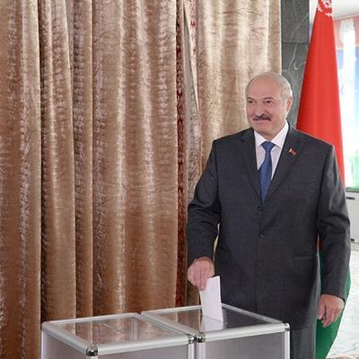Лукашенко заявил, что не может предъявить претензии к действиям силовиков на протестных акциях
