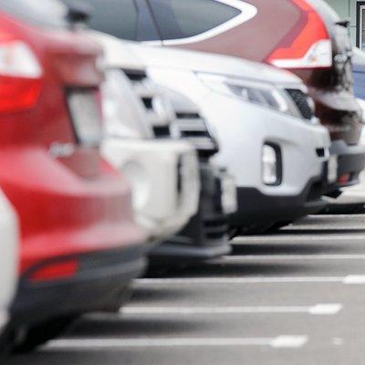 23 и 24 февраля припарковать машину можно будет бесплатно