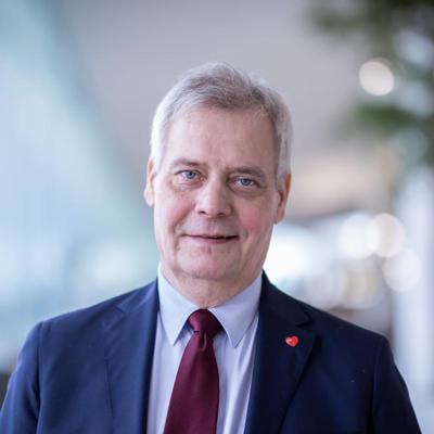 Премьер-министр Финляндии Антти Ринне подал в отставку