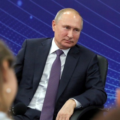 Путин рассмотрит возможность включения ретинобластомы в список бесплатных