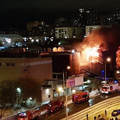 Пожар в офисном здании на улице Радищева в Екатеринбурге локализовали