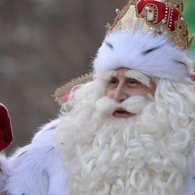 XIII Всероссийский съезд Дедов Морозов и Снегурочек открылся в Ханты-Мансийске